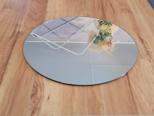 40cm round mirror with reflection of flowers
